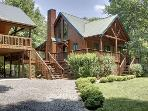 TOCCOA RIVER RESORT-BEAUTIFUL CABIN ON THE TOCCOA RIVER~ SLEEPS 11~ 4BR/3BA LUXURY CABIN~ HOT TUB~ POOL TABLE~ GAS LOG FIREPLACE~ GAS GRILL~ WIFI~ PET FRIENDLY~ $275/NIGHT!