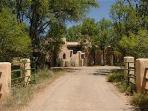 Santa Fe Eco-Ranch Retreat - Rancho Gallina