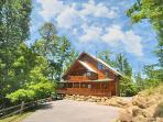 Great Family or Group Getaway! Majestic view of Smokies. 4 Bedroom. 4 Bath.