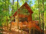 Creekside cabin with Loft!  3 bedroom 2 bath Log Cabin sleeps 8