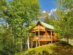 Cozy, Private, & Spectacular View. 2 Bedroom Log Cabin sleeps 6.
