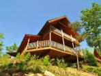 Up on a Ridge with spectacular view is Buck's Lookout. 2 Bedroom Log Cabin