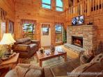 Cozy log cabin- electric fireplace, Direct TV, game room, hot tub, BBQ, w/d