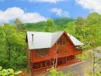 2 Level 5 Bedroom Log Cabin. Sleeps 14. 4 Fireplaces. Private. Pool Table.