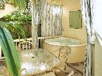Heron Hideaway-Sleeps 4, PRIVATE SPA on White St.