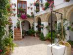 DUPLEX APARTMENT 50 METERS FROM THE MOSQUE OF CORDOBA