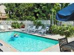 Amelia House-Sleeps 8 w/Private Spa, Off Duval St.
