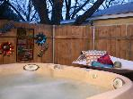 Ella's Haus 2/1 Cottage with Private Hot Tub! Wow!