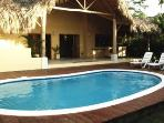 Caribbean Style Villa 150m from Beach, Bars