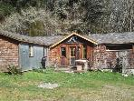 Upscale &amp; Authentic: Stone Lagoon Cabin-Gaze at Wild Elk, Hike to Beach