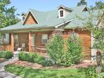 Rustic Elegance - Pet Friendly - 2br/2ba Lodging