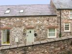 LIMESLADE, coastal setting, off road parking, enclosed garden, in Laugharne, Ref 21317