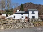 BRYN HYFRYD, pet-friendly cottage, solid-fuel stove, close walking and biking in Llangynog Ref 22326