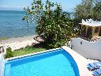 $60-115/nt: Beachfront Casa, Infiniti pool for 6!