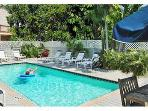 Sunset Suite-Sleeps 4, PRIVATE SPA steps to Duval