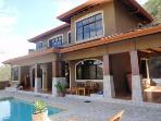 Villa Aurelia 3BR Ocean View with Pool,4-14 guests