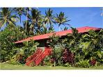 Hale Kai Beachfront Estate: Privacy and Seclusion