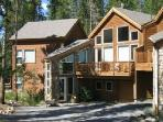 "A Ski~in/Out 3BR Den+3.5BA, 52"" Hd TV, Pvt Hot Tub"