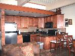 SKI-IN/OUT  Club B Slopeside Condo  w/Spa Facility