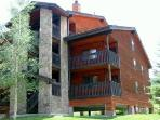 COMFORTABLE 2 BDRM MOUNTAINSIDE 247D