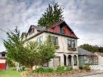 Big Beautifully Remodeled Victorian, Views, Pet ok