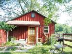 Cabin on Horse Farm 1.75 hrs N of NYC w/ hot tub