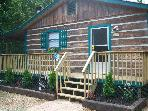 Charming Cabin on 2 Secluded Acres, FP, HT, WIFI