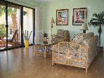 Spacious 2 BR/2 BA Relaxing Hawaiian Retreat