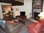 Family Friendly, Ski-in, 1 BR+Loft in Center Vill