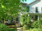 Village Guesthouse in the Heart of Yellow Springs