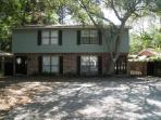 St. Simons 3 Bdrm 1.5 Blocks to the Beach!