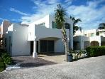 Iich Naj Ocean view Premium home, steps to beach