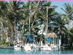 Conch Key TreeTop Cottage with 23' Sailboat
