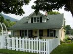 Downtown West Jefferson NC Cottage - Walk to Galleries - Shops - Parks &amp; More