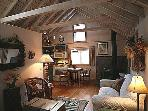 Amanda&#39;s Hideaway - cozy cabin on Redstone Blvd.