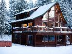 The Sky Lodge Amazing 3 BDRM & Hottub Stevens Pass