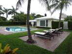 Beautifully Furnished Pool Home, 1 Block to Beach