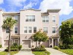 Vista Cay 3-Story 3-Bedroom Townhome Large Rooms