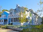 Stunning 5/5 Lake Michigan Beachwalk Resort Cottage