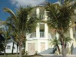 5-Star Beach Home - 2 Minute Walk To Gulf of Mexico Beach!
