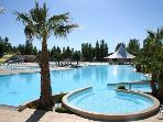 Mobile home comfort in Club 4 * Siblu Carabasse, with pool, water slide and beach access!