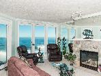 Beautiful Oceanfront Condo-HDTV/WiFi, Pool/Hot Tub