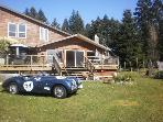 GABRIOLA RETREAT WITH OCEAN VIEW AND BEACH ACCESS SOUTH FACING FOR SUN AND FUN!