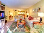 Siesta Dunes 104, Siesta Key Gulf, Spa, Heated Pool, Wifi