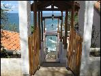 Casa La Joya - Luxurious Oceanfront -Redonda Bay