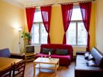 KINSKY - 2BR 10min from Charles Bridge and across the river from National Theatre
