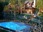 Tremblant Legendes townhouse 4br Pool - Ski-in/out
