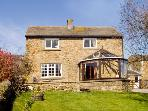 ORCHARD COTTAGE, pet friendly, character holiday cottage, with a garden in Carlton-In-Coverdale, Ref 1737