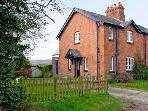 EUDON BURNELL COTTAGE, pet-friendly character cottage with woodburner, lawned garden, near Bridgnorth Ref 22221