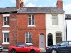 OVERLEIGH COTTAGE close to amenities, city breaks, family friendly in Chester Ref 20628